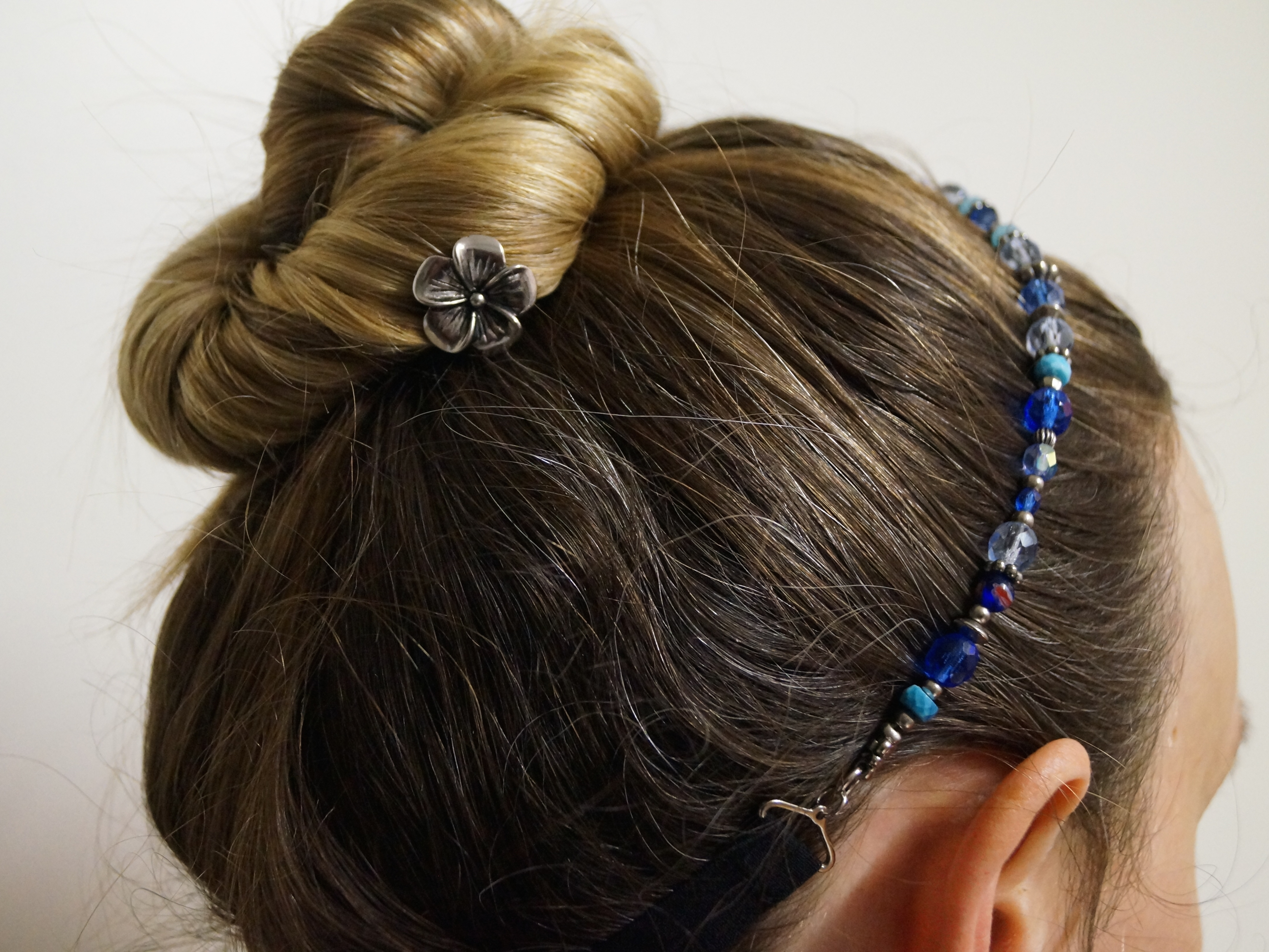 Such pretty, adjustable hairbands! Find this Pin and more on Hair Bands by Lilla Rose by Erin Svejda. sweet Lilla Rose headbands are super-comfy and adjustable for ladies and girls! adjustable comfort band so they can fit multiple people in the family.